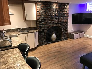 19 Rodney Street Apartments - The Cavern Suite