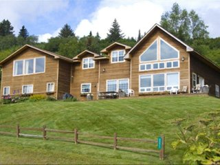 5 Bedroom Home with Best Views of Homer