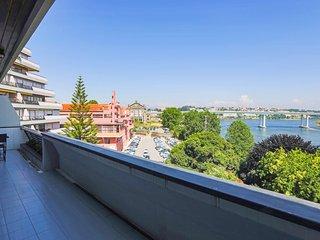 Douro Catwalk- City Center River Views