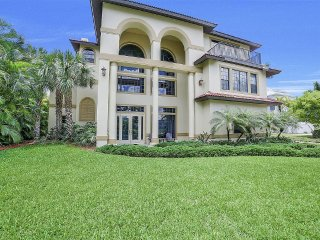 3 STORY, LUXURY, 5 BEDROOM, GAME ROOM, POOL, AND WALKING DISTANCE TO BEACH!!