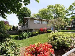 3BR w/ Deck & New Furnishings - Prime Location Near Beach & Falmouth Harbor