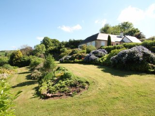 Raleigh Lodge, Wheddon Cross - Luxurious country cottage in rural Exmoor - sleep
