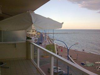 Fuengirola primera linea playa vistas mar (3)