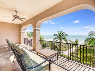 La Casa Bonita North Ultimate Luxury Beach Front Vacation home with Private