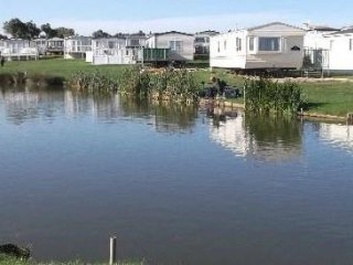 Q row 2 bed caravan at Sand le Mere (1)