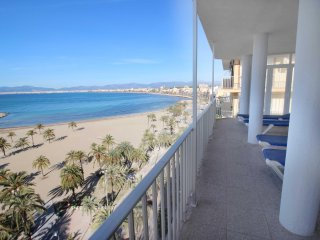 Large apartment with sea views in Arenal beach