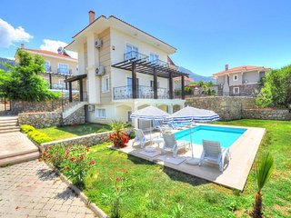8 People for Nice Holiday Villa Acacia in Oludeniz