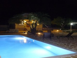 A romantic getaway in old olive grove between Avlaki beach and Erimitis forest.