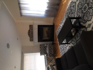 Spacious Newly Renovated 2 BR Cono walk to town