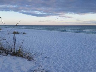 "Redfish Village ""Sandy Feet Retreat"" M2-315 Blue Mountain Beach 30A"