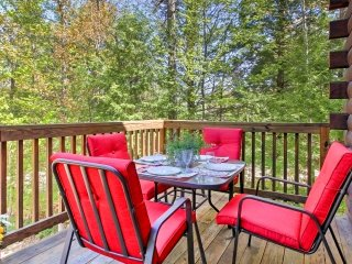 New! 4BR Conway House - Balcony w/ Scenic Views!