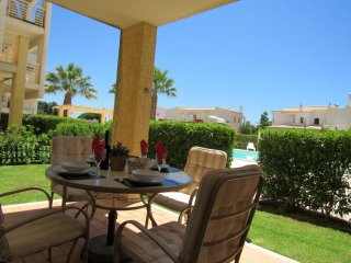 Albufeira Two bedroom apartment, Pool, Ac,WIFI