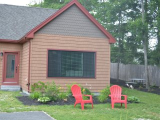 Cottage near Wells Beach w/Pool NO PETS.  SLEEPS 6 WITH 2 CAR MAX