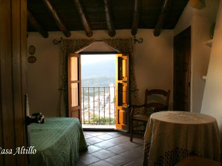 Holiday cottage in Zahara de la Sierra (Cadiz) ANDALUSIA