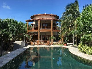 Beachfront Villa with Pool! Exceptional Value, Exceptional Setting!