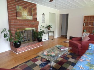 *Mountain Getaway Brevard* - Escape to land of the Waterfalls - 3BR/2B Remodeled