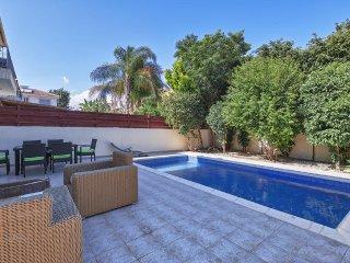 3b Luxury Pool Villa - Lighthouse Beach