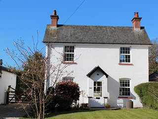 NFL73 Cottage in Lymington