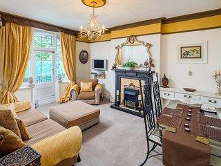 Elegant 2 bed apartment in chic Maida Vale