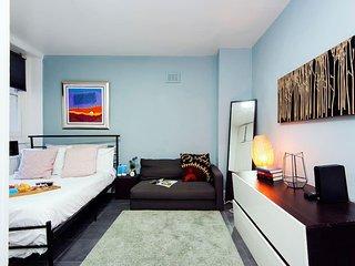 Smart 1 bed flat in South Kensington - sleeps 4