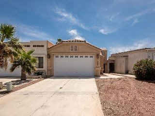 BEAUTIFUL 3 Bedroom home, 1500 SF WINTER ONLY