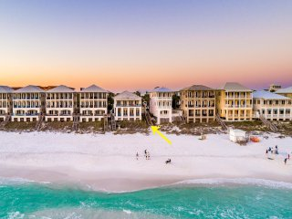 GULF Front in Frangista Beach! Private Heated Pool! 400 ft. of Private Beach