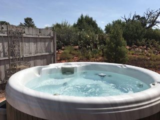 Charming Remodeled 2 Bedroom 2 Bath Home with views and private Hot Tub located