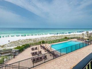 GULF FRONT! Comp. Beach Chair Service! Direct Beach Access!