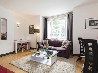 Pembridge Villa II apartment in Kensington & Chelsea with WiFi.