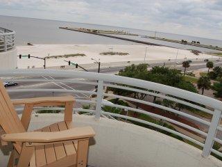 Ocean Club  403 ~ RA77518