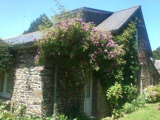 Maison de caractère au coeur de Cancale, avec grand jardin, pour 4 personnes