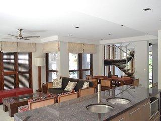 Luxury Villa 112 - Sea Temple Palm Cove