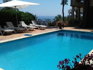 Gorgeous Large Provencal Villa with 180 Degrees Sea View