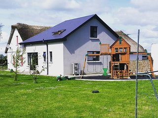 The Dairy Lodge - on working Dairy Farm that supplies milk for butter and cheese