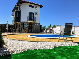 Villa Black Sea Ramma, 50m from the Black Sea Rama Golf Course.
