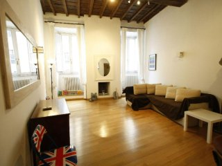 Navona Banchi Lux apartment in Centro Storico with WiFi & air conditioning.