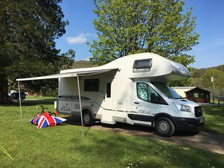Billy - Glampervan UK - luxury motorhome for rent in High Wycombe