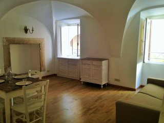 Navona Banchi Loft II apartment in Centro Storico with WiFi & air conditioning.