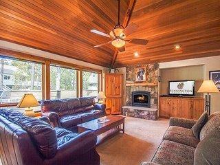 Single Level Getaway Home, A/C, Dog Loving, Stocked Kitchen -Mt Rainier 11