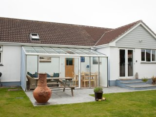 Large open plan living in the heart of St Merryn with large enclosed garden.
