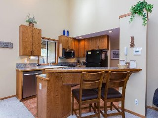 Relaxing North End Home w/Heated Floors in Kitchen & Bathrooms -Tokatee 38