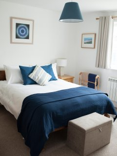 100% hotel standard white linen in all rooms and blackout blinds in each.