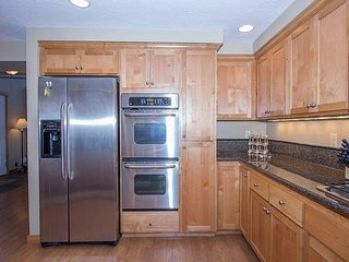 Plenty of Beds in This 5 Bdrm Home! Walk to Village and the SHARC -Muskrat 4