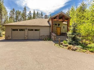 Mt Rose 9 - Luxury radiant heated floors, home theater room, 3 masters