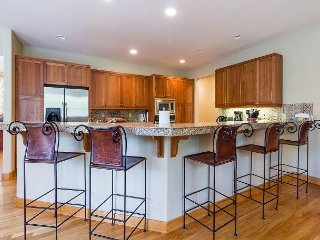 Lodge like Luxurious Home, A/C, 2 Masters, Media Bonus Room-3 Foursome Lane