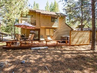 Walk to SHARC from this Perfect Sunriver Cabin, Hot Tub- 2 Mountain View