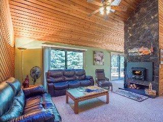 Amazing Wood Fireplace, Upgrades, Hot Tub, Near it All- 1 Pathfinder Lane