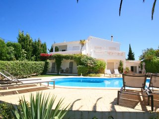 Casa Luisa 4 bedrooms, WIFI, Aircon, Private Pool