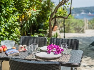Acqua - Peaceful garden with beautiful sea views!