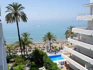 Lovely 1 Bed Apartment with Sea Views + WiFi in Skol Marbella